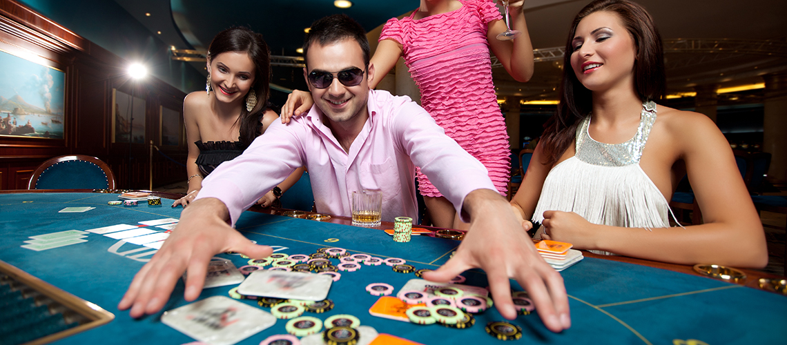 The Benefits of Playing Live Casino
